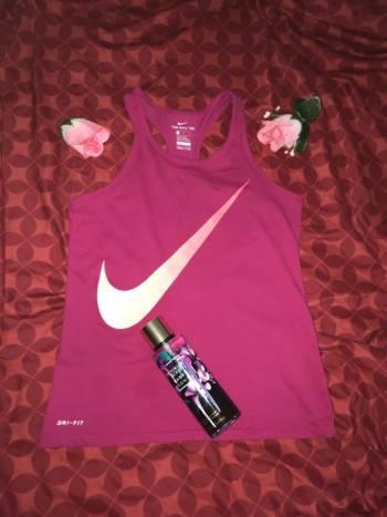 Foto Carousel Producto: Blusa Nike rosa GoTrendier