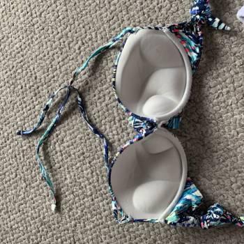 Foto Carousel Producto: Bikini top floreal GoTrendier