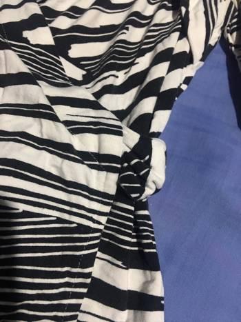 Foto Carousel Producto: Blusa cruzada de rayad GoTrendier