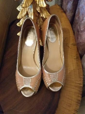 Foto Carousel Producto: Zapatillas piel color camel con tejido GoTrendier