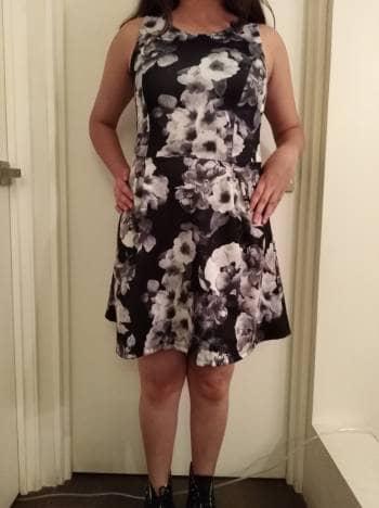 Foto Carousel Producto: Vestido corto floreado GoTrendier
