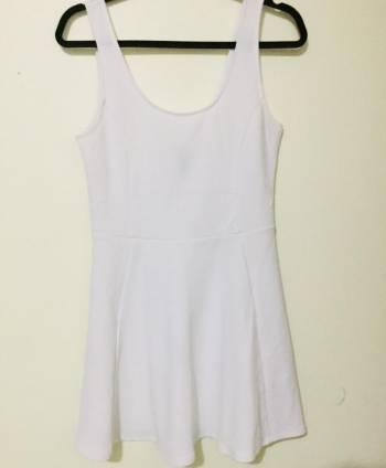 Foto Carousel Producto: Vestido ligero blanco GoTrendier