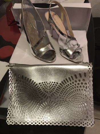 Foto Carousel Producto: Set de zapatos plateados 24.5 GoTrendier