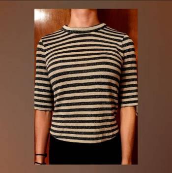 Foto Carousel Producto: Blusa rayada con detalle en espalda  GoTrendier