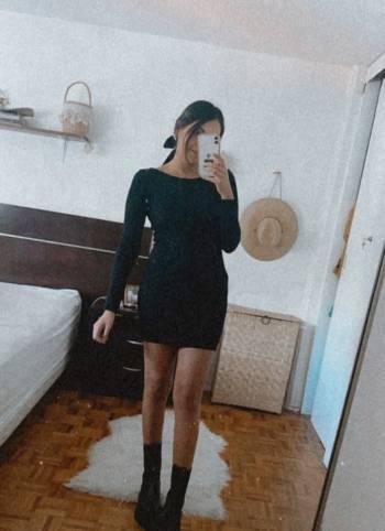 Foto Carousel Producto: Vestido negro con escote GoTrendier