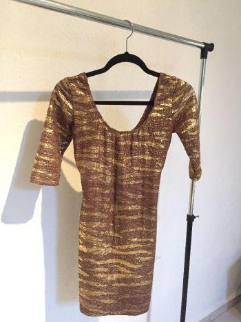 Foto Carousel Producto: Vestido dorado mangas 3/4 GoTrendier