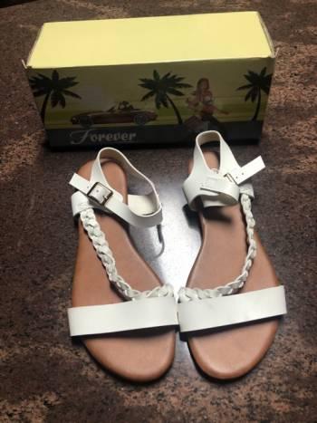 Foto Carousel Producto: Huaraches sandalias de piso blancas 4.5  GoTrendier