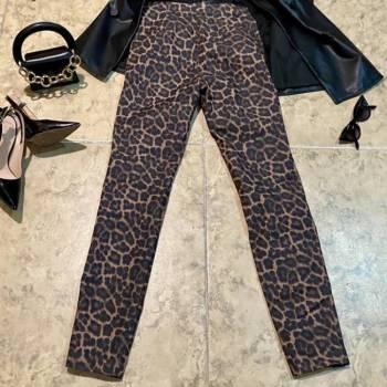 Foto Carousel Producto: Pantalon tipo leggin animal print  GoTrendier