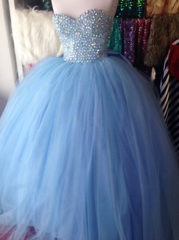 Foto Carousel Producto: Vestido de XV años GoTrendier