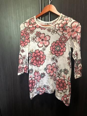 Foto Carousel Producto: Blusa floreada otoñal hermosa! GoTrendier