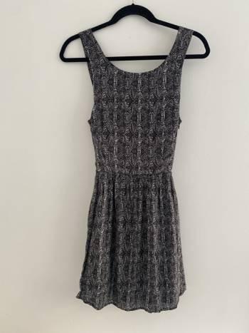 Foto Carousel Producto: Vestido espalda descubierta GoTrendier
