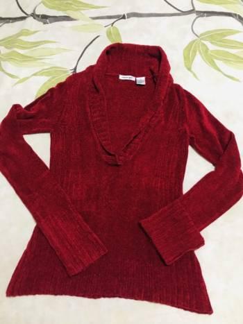 Foto Carousel Producto: Sueter rojo cuello en V GoTrendier