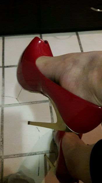 Foto Carousel Producto: Hermosos tacones de charol rojos GoTrendier
