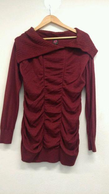 Foto Carousel Producto: Sweter largo silueta color vino GoTrendier