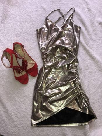Foto Carousel Producto: Vestido dorado platinado GoTrendier