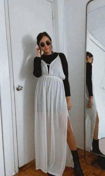 Foto Carousel Producto: Vestido traslucido crema GoTrendier