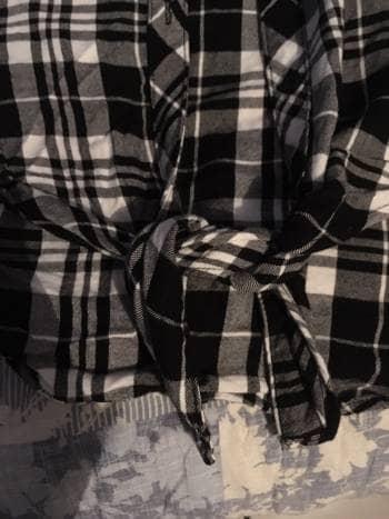Foto Carousel Producto: Camisa a cuadros blanca con negro GoTrendier