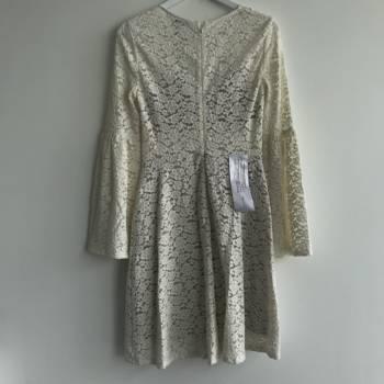 Foto Carousel Producto: Vestido de encaje BCBG nuevo GoTrendier