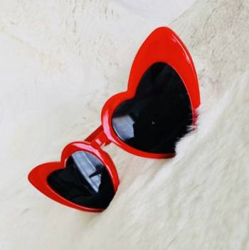 Foto Carousel Producto: Lentes de sol corazon rojos GoTrendier