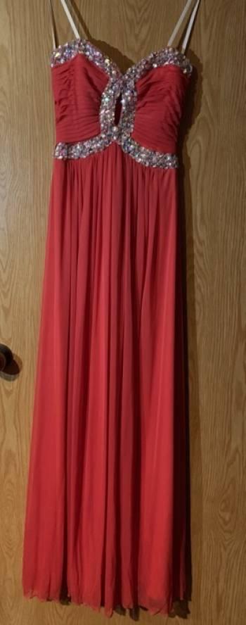 Foto Carousel Producto: Vestido de noche con pedreria GoTrendier