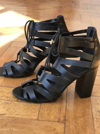 Foto Carousel Producto: Zapatos  de tira  GoTrendier