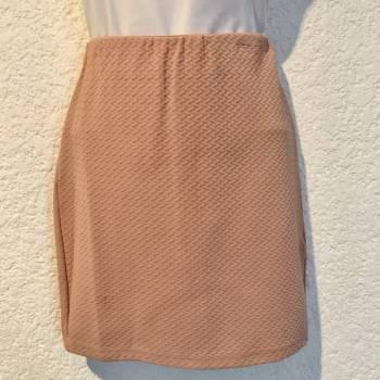 Foto Carousel Producto: Minifalda salmón Bershka GoTrendier
