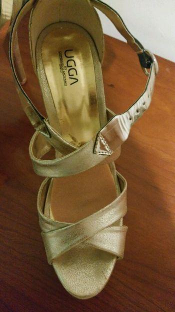 Foto Carousel Producto: Zapatilla color dorado GoTrendier