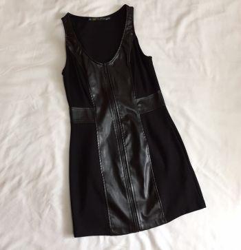 Foto Carousel Producto: Vestido negro entallado GoTrendier