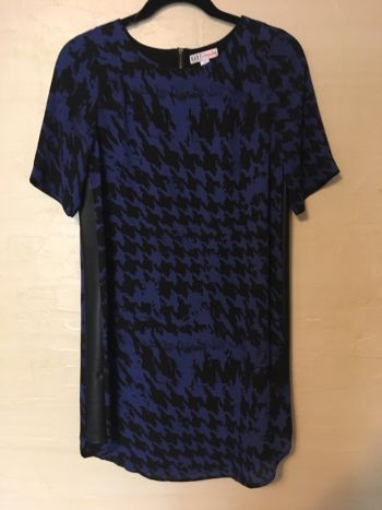 Foto Carousel Producto: Vestido azul con negro GoTrendier