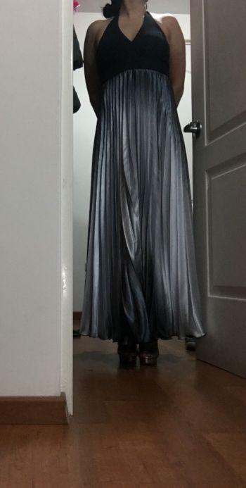 Foto Carousel Producto: Vestido halter de noche GoTrendier
