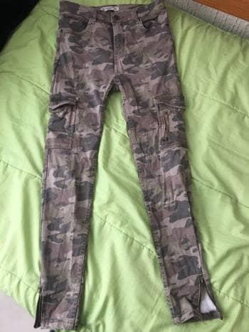 Foto Carousel Producto: Pantalon camuflajeado GoTrendier