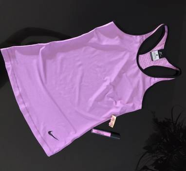 Foto Carousel Producto: Camiseta Nike Nueva GoTrendier