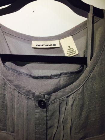 Foto Carousel Producto: Vestido casual DKNY gris GoTrendier