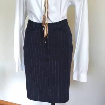 Foto Carousel Producto: Falda azul marino t/M Liz corte cintura GoTrendier