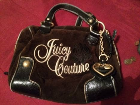 Foto Carousel Producto: Bolsa Juicy Couture con detalles GoTrendier
