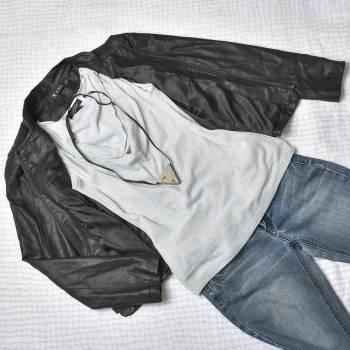 Foto Carousel Producto: Blusa sin mangas plateada GoTrendier