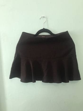 Foto Carousel Producto: Minifalda negra con vuelo GoTrendier