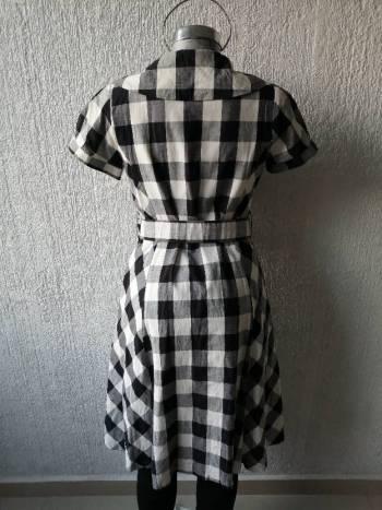 Foto Carousel Producto: Vestido a cuadros Blanco/Negro GoTrendier