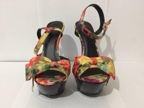 Foto Carousel Producto: Zapatillas multicolor con plataforma GoTrendier