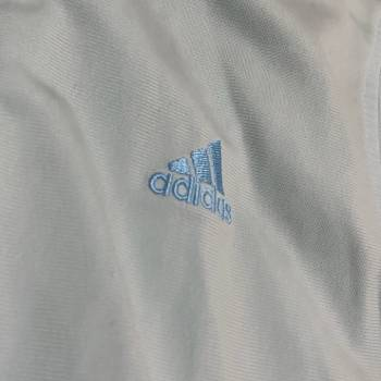 Foto Carousel Producto: Chamarra deportiva con bolsas GoTrendier