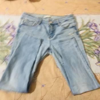 Foto Carousel Producto: Pantalon de mezclilla tipo Skiny  GoTrendier