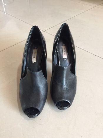 Foto Carousel Producto: Zapatillas  Guess color negro  GoTrendier