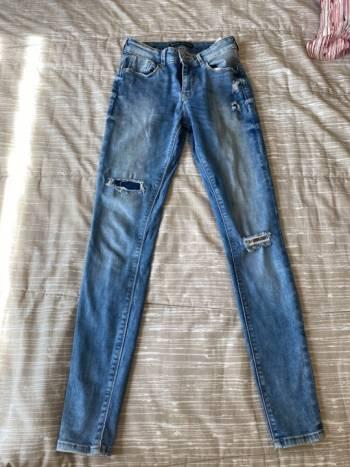 Foto Carousel Producto: Bershka jeans  GoTrendier