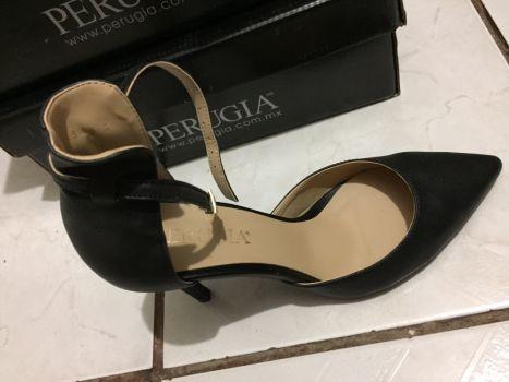 Foto Carousel Producto: Stilettos negros GoTrendier