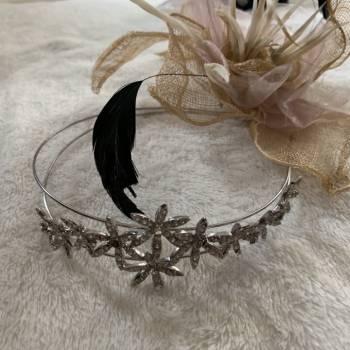 Foto Carousel Producto: Diadema de flores  con pedreria GoTrendier