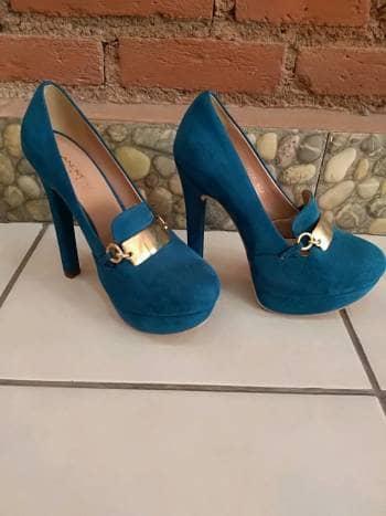 Foto Carousel Producto: Zapatilla azul turquesa GoTrendier