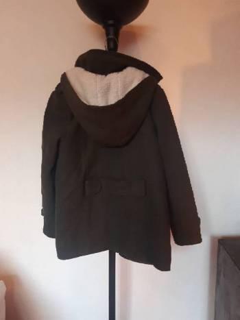 Foto Carousel Producto: Abrigo corto verde GoTrendier