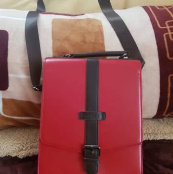 Foto Carousel Producto: Bolso mariconera rojo con cafe  GoTrendier