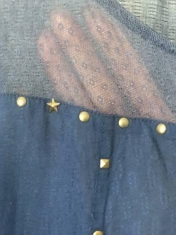 Foto Carousel Producto: Blusa con aplicaciones  GoTrendier