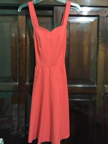Foto Carousel Producto: Vestido corto de tirantes escote de corazon GoTrendier
